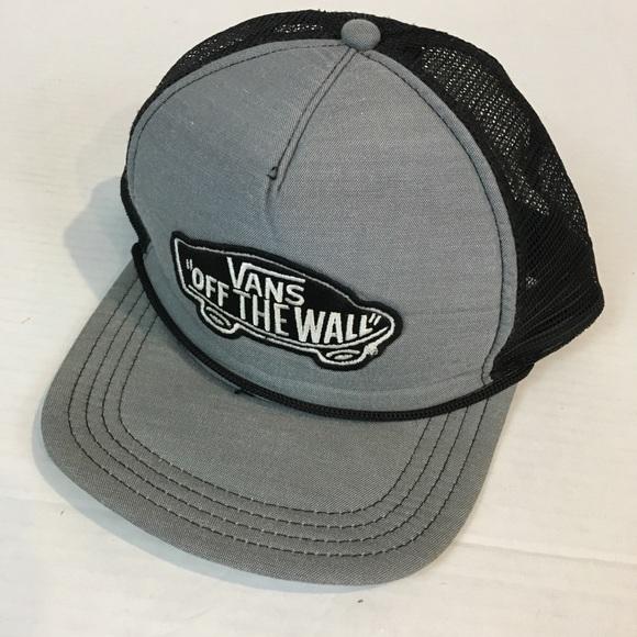 93e8f6978b2f16 Vans Off The Wall mesh snapback trucker hat gray. M_5b365f54035cf17056bcfebe